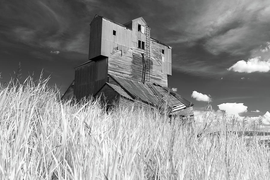 Abandoned Grain Elevator in the Palouse by Rick Berk