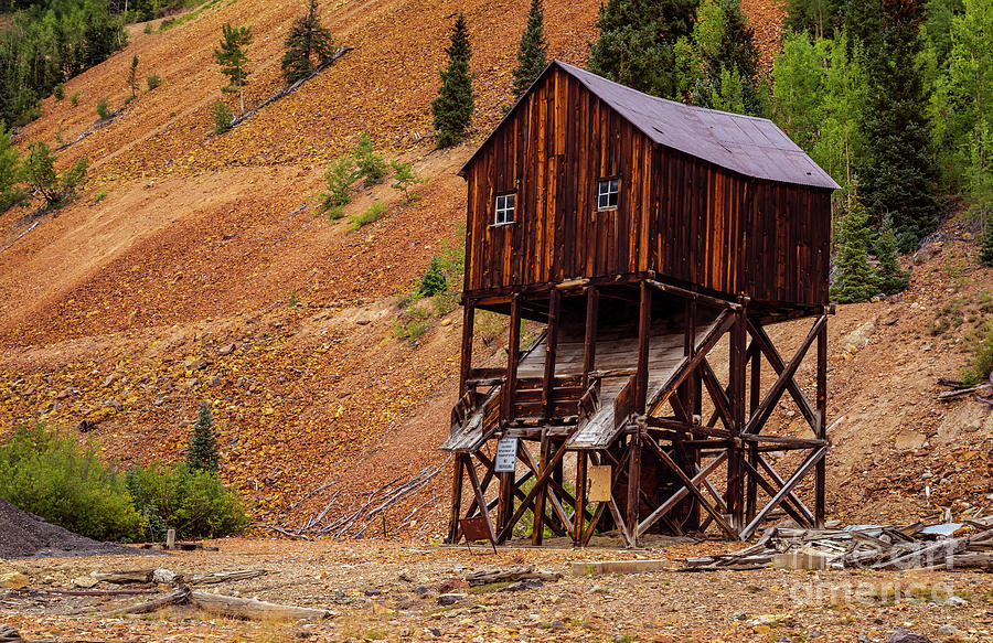 Abandoned Mining Structure by Jaime Miller