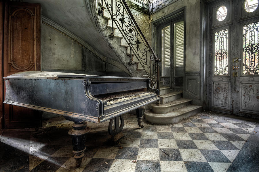 Abandoned Piano in the Hall by Roman Robroek