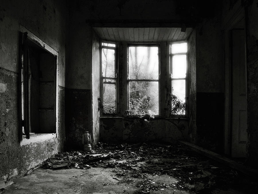 Abandoned Room Photograph by James Clancy
