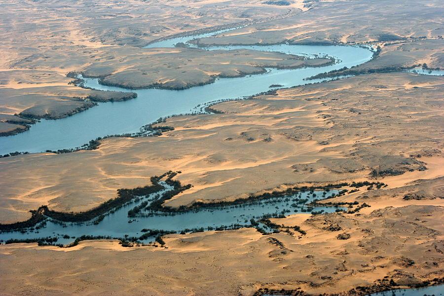Above Lake Nasser, Egypt Photograph by Joe & Clair Carnegie / Libyan Soup