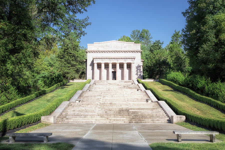 Abraham Lincoln Birthplace by Susan Rissi Tregoning