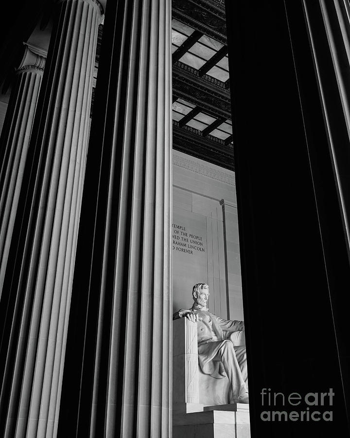 Abraham Lincoln Photograph - Abraham Lincoln Memorial Washington Dc by Edward Fielding