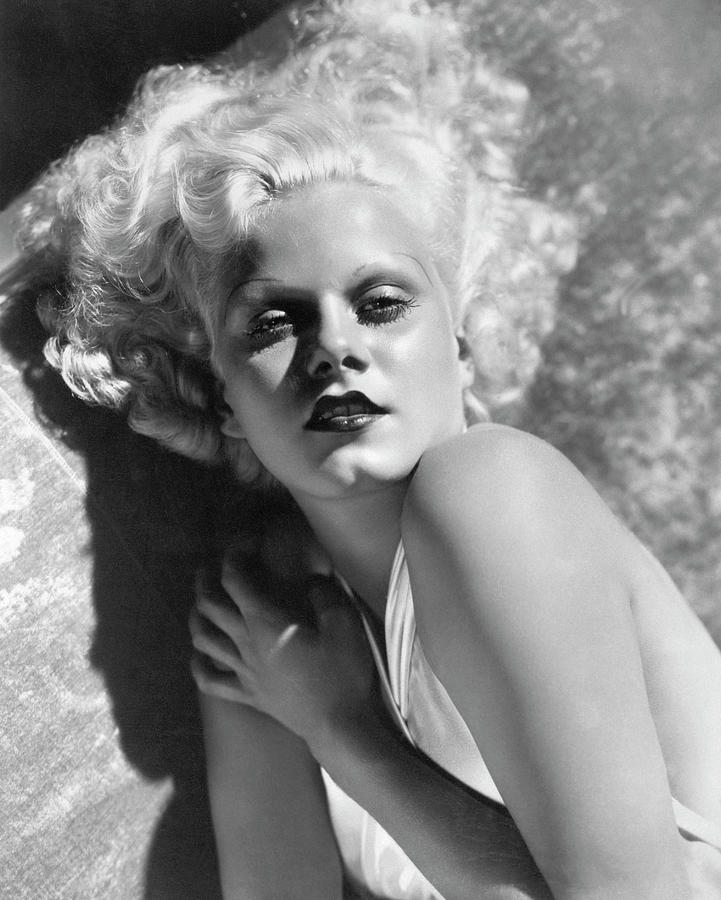 Actress Jean Harlow In Seductive Pose Photograph by Bettmann