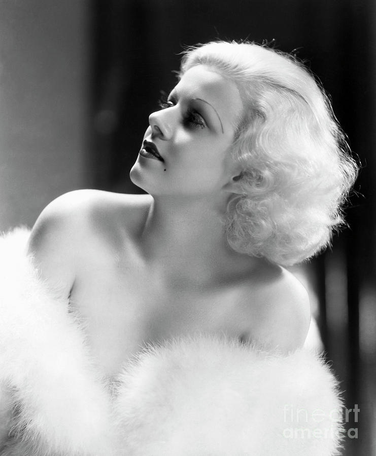 Actress Jean Harlow Wearing Fur Photograph by Bettmann