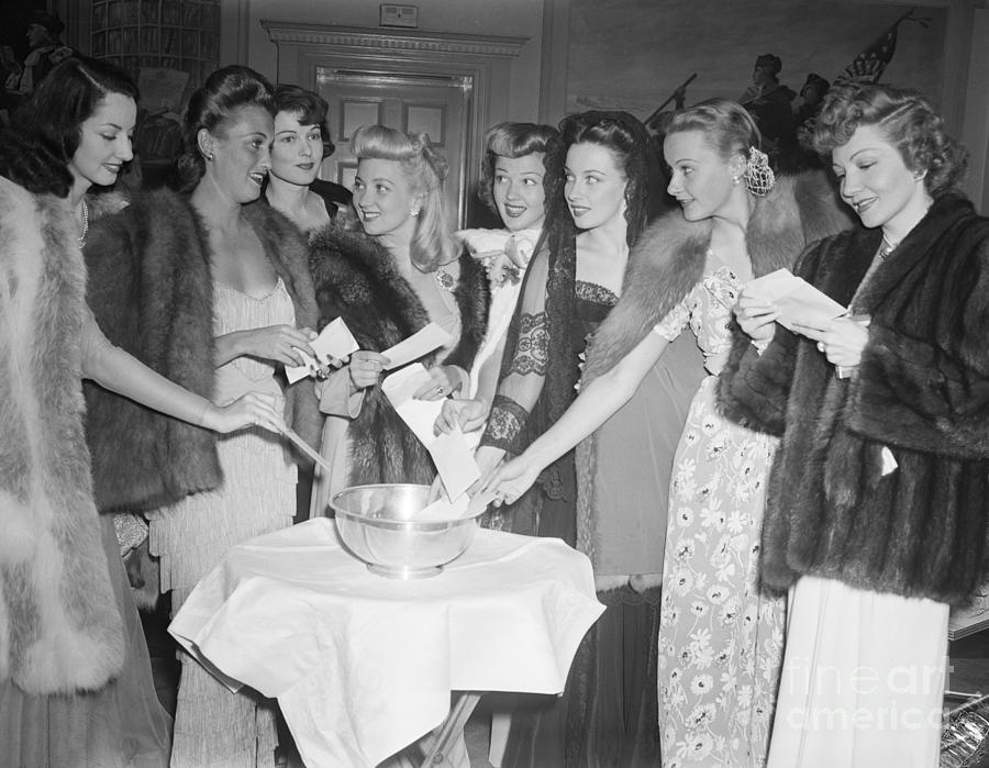 Actresses Draw Names From Bowl Photograph by Bettmann