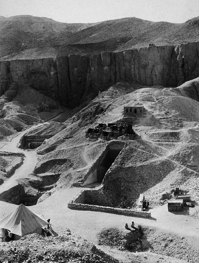 Aerial Of Valley Of The Kings Photograph by Hulton Archive