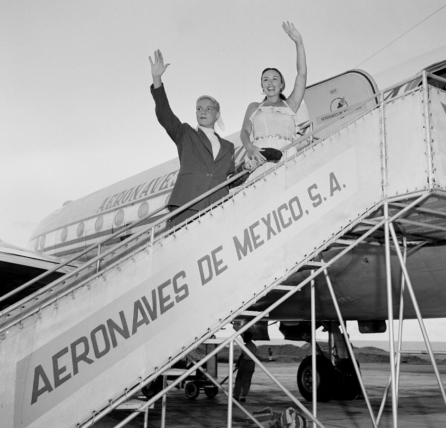 Aerovias De Mexico Photograph by Michael Ochs Archives