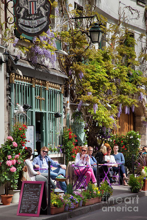 Afternoon at the Paris Cafe by Brian Jannsen