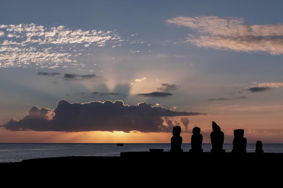 Ahu Tahai at sunset by Erika Valkovicova