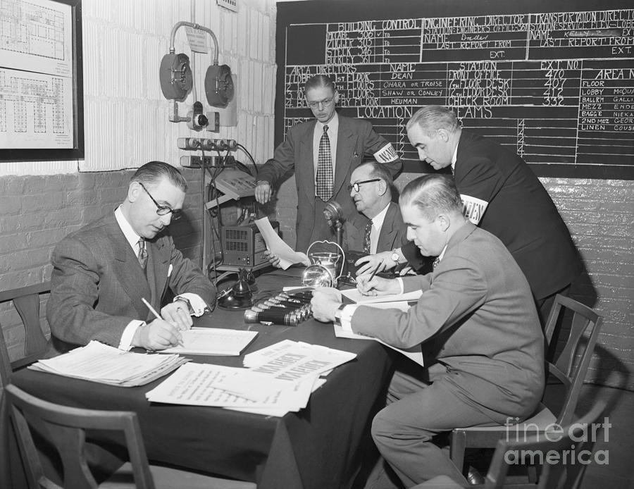 Air Raid Control Room Photograph by Bettmann