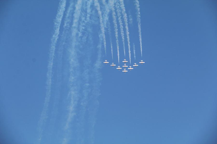 Air Show by The Art Of Marilyn Ridoutt-Greene