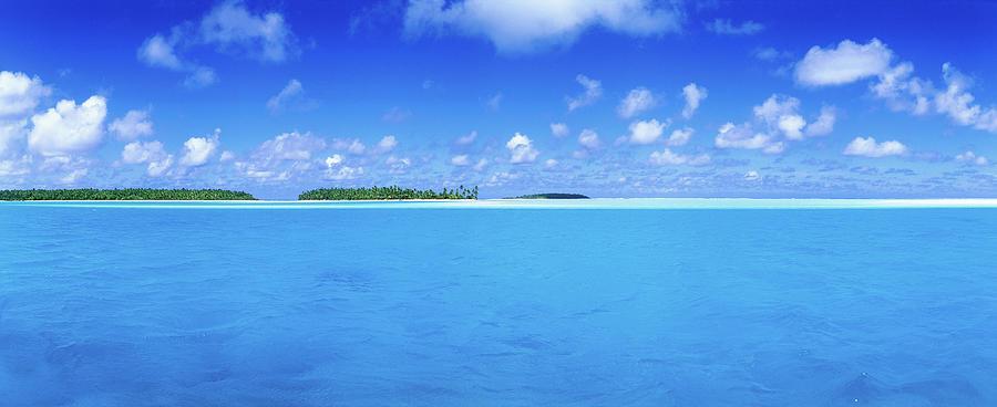Aitutaki Lagoon Photograph by Holger Leue