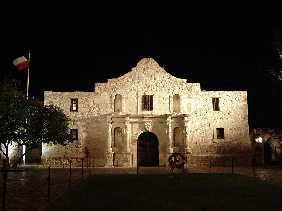 Alamo In San Antonio Texas At Nite Photograph by Dwphoto