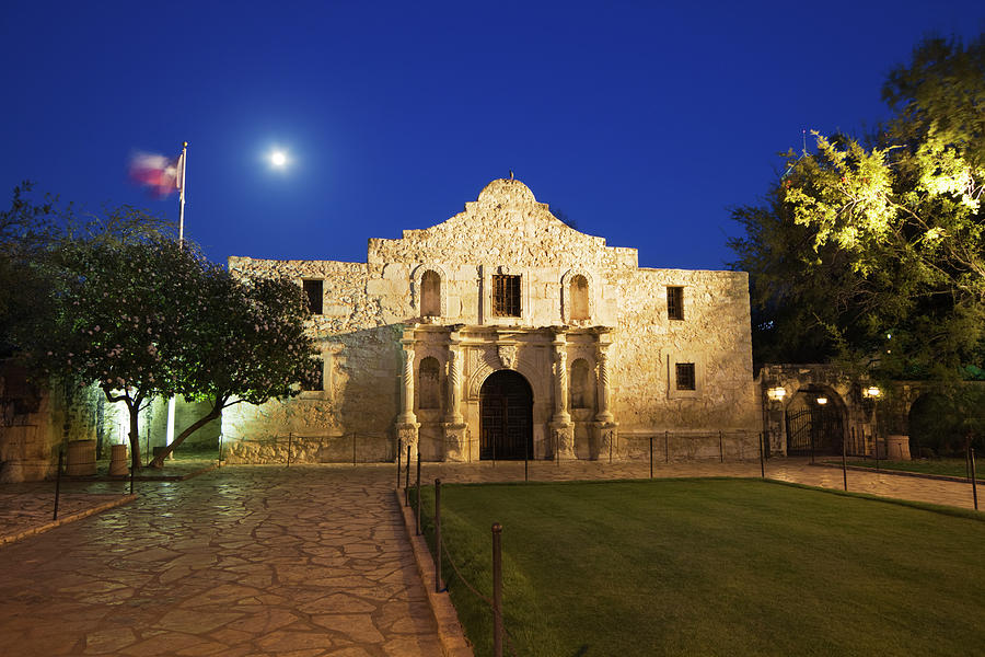 Alamo Mission, San Antonio, A Famous Photograph by Yinyang