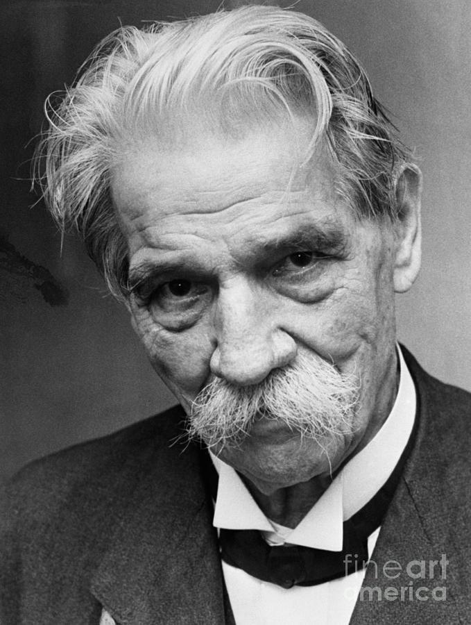 Albert Schweitzer Photograph by Bettmann