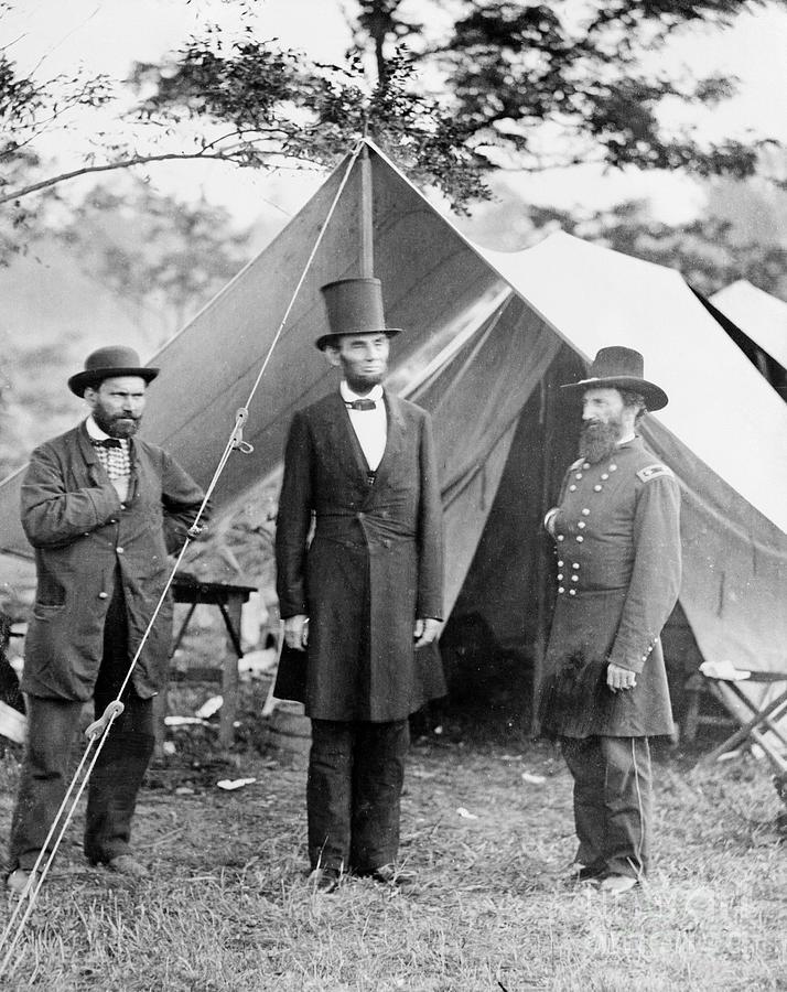 Allan Pinkerton, Abraham Lincoln Photograph by Bettmann