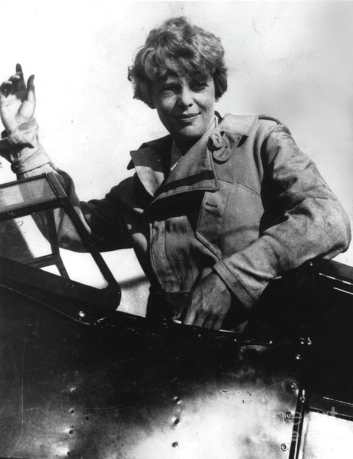 Amelia Earhart Waving Photograph by Getty Images