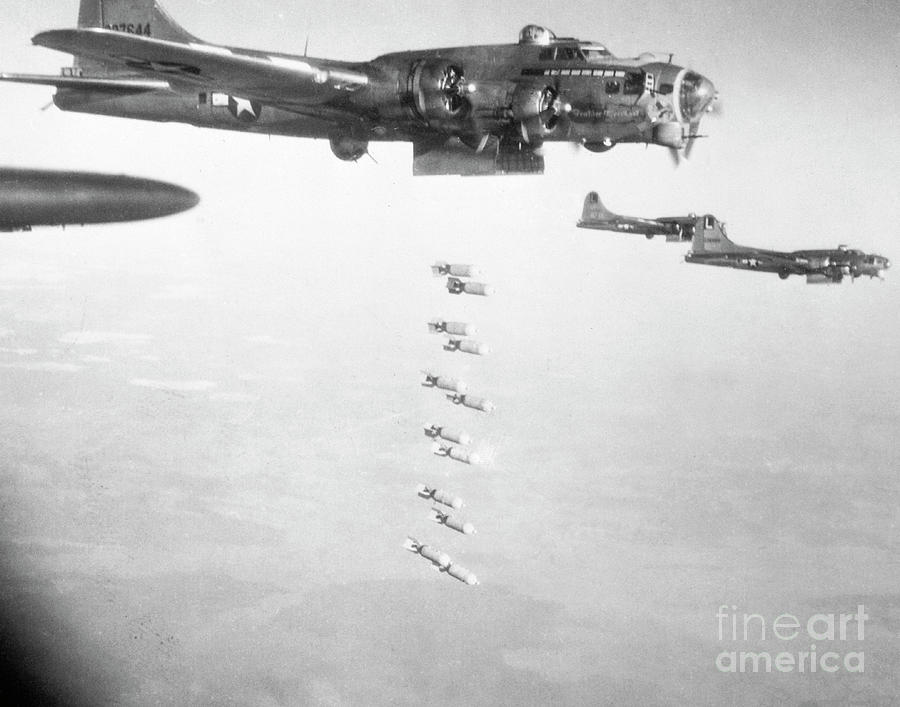 American Air Force Bombers On Holiday Photograph by Bettmann