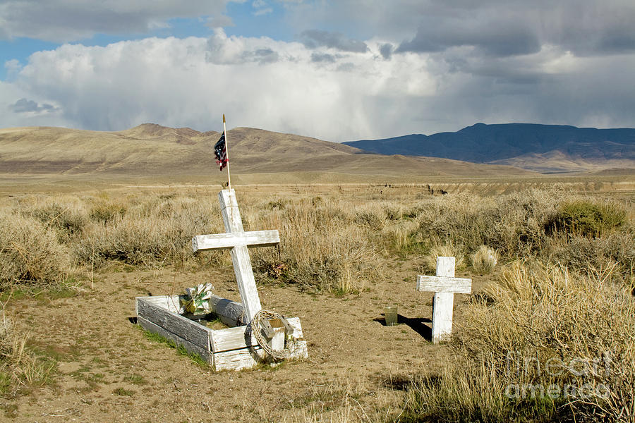 American Flag Grave by Suzanne Lorenz