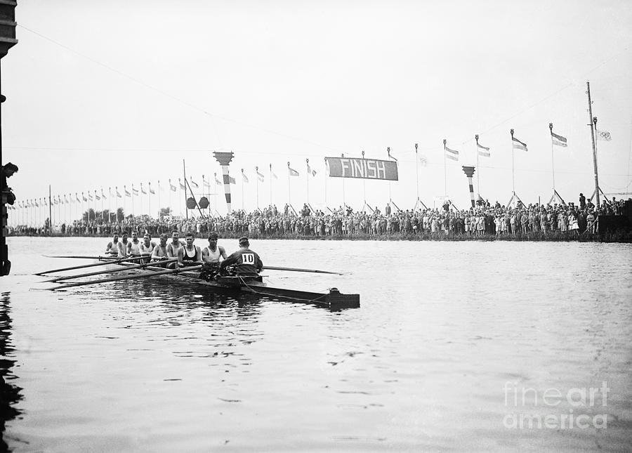 American Gold Medal Olympic Crew Team Photograph by Bettmann