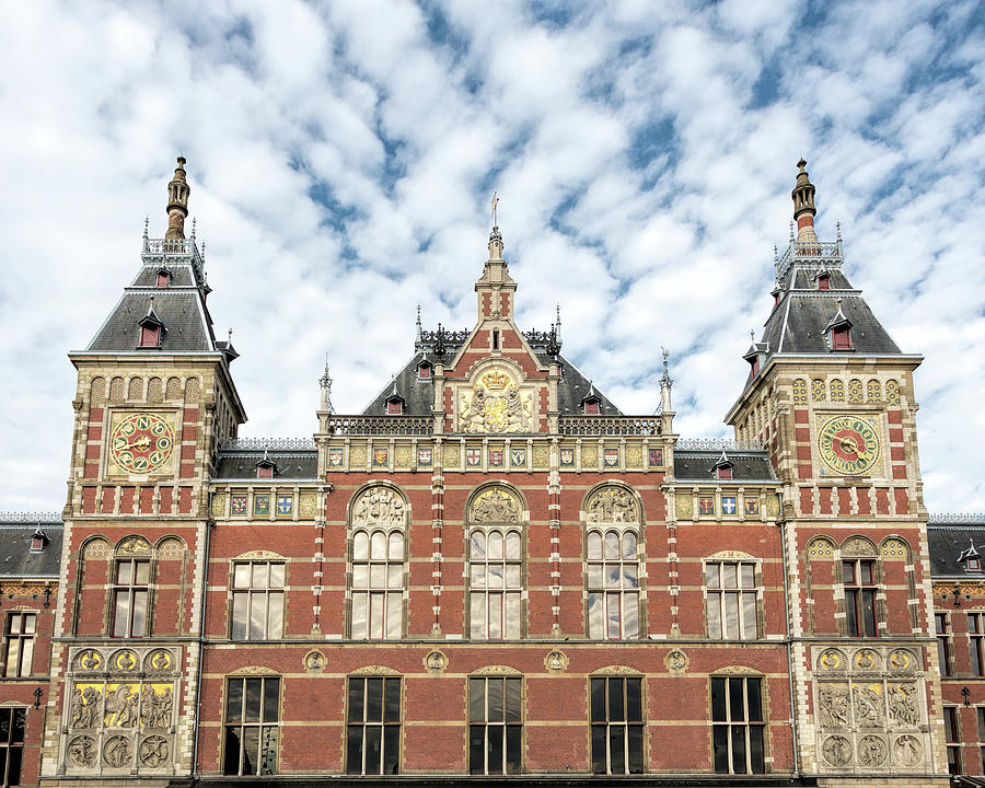 Amsterdam Centraal Station by Jemmy Archer