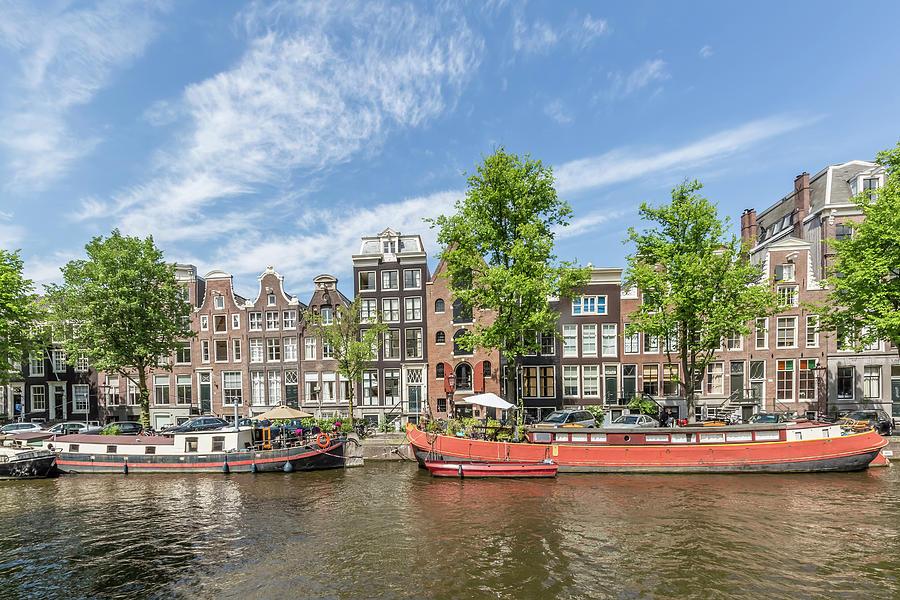 Amsterdam Photograph - Amsterdam Prinsengracht Houseboats by Melanie Viola