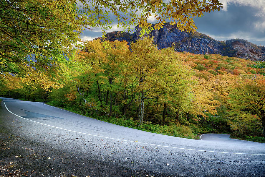 An easy Hairpin turn on Smugglers Notch by Jeff Folger