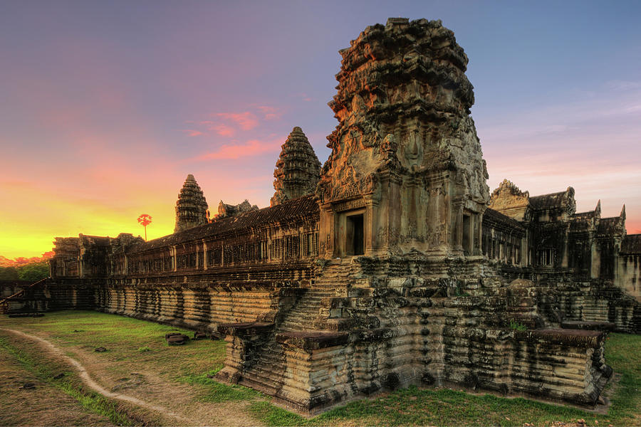 Angkor Wat, Siem Reap, Cambodia Photograph by Artie Photography (artie Ng)