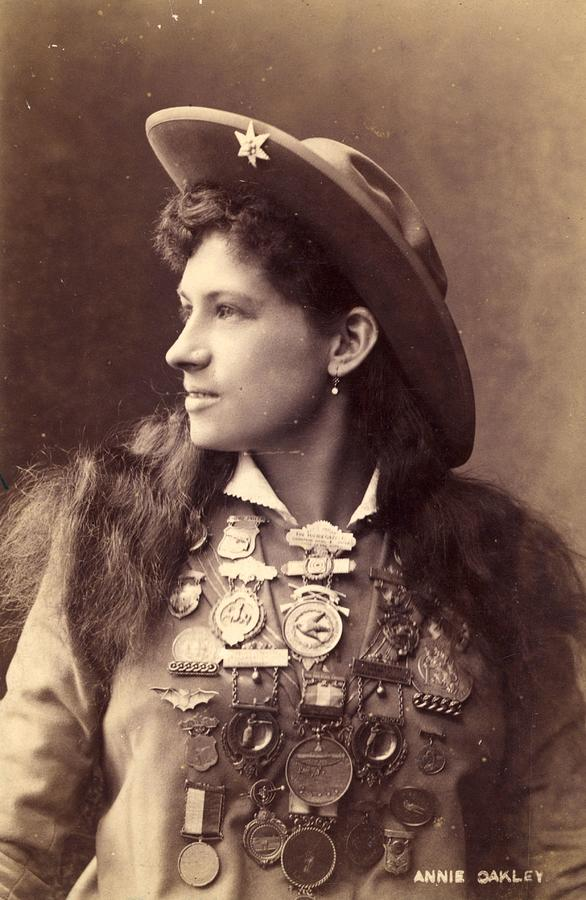 Annie Oakley Photograph by Hulton Archive