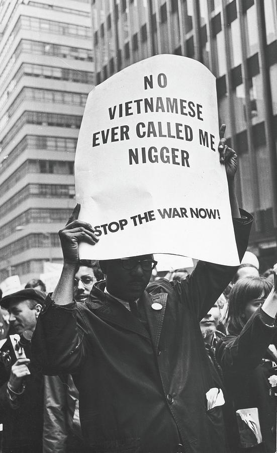 Anti-vietnam War March On Un Plaza Photograph by Fred W. McDarrah