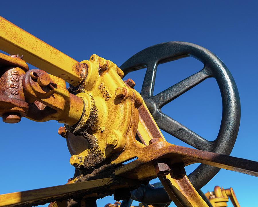 Catepillar Photograph - Antique Catepillar Hand Wheel by Tom Mc Nemar