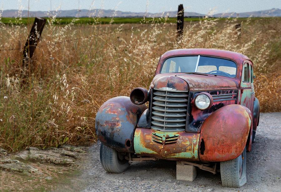 Antique Oldsmobile by Lisa Malecki