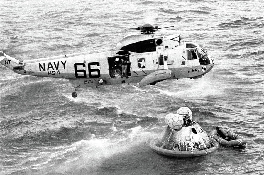 1969 Photograph - Apollo 11 Recovery, 1969 by Science Source
