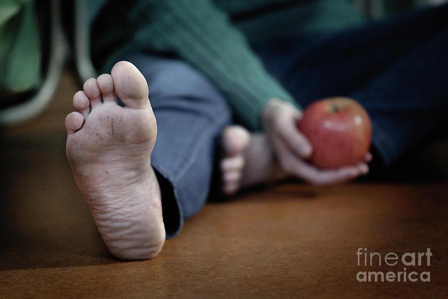 Apple #3516 by Andrey Godyaykin