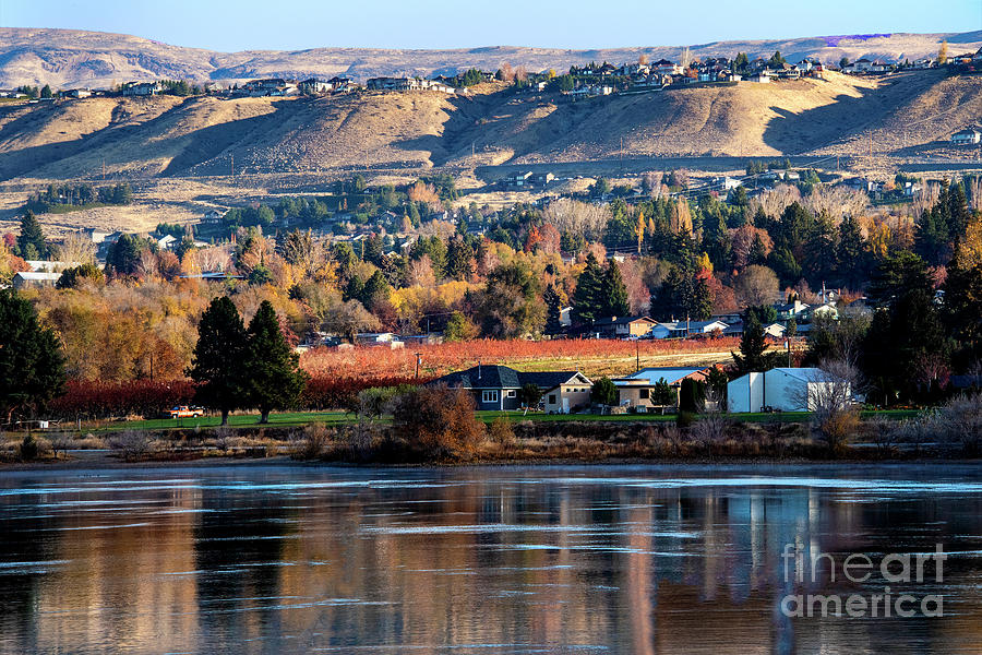 Columbia River Photograph - Apple Country Along The Columbia River by Mae Wertz