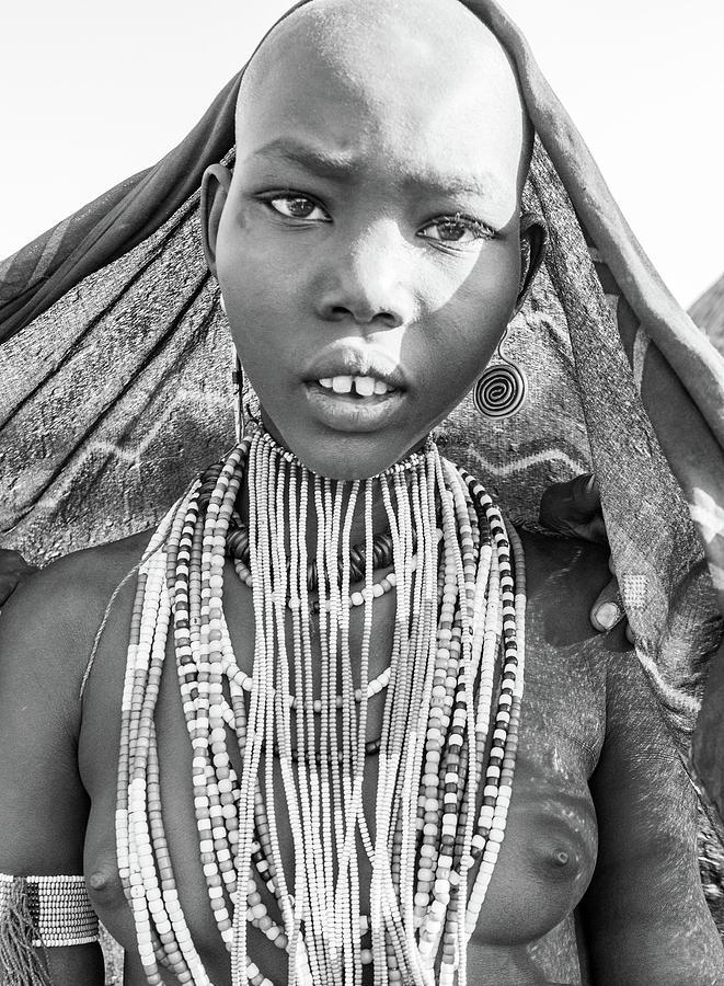 Arbore girl 5 by Mache Del Campo