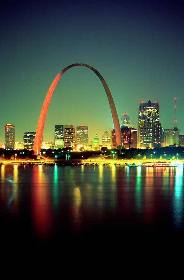 Arch Over The Mississippi River At Photograph by Medioimages/photodisc