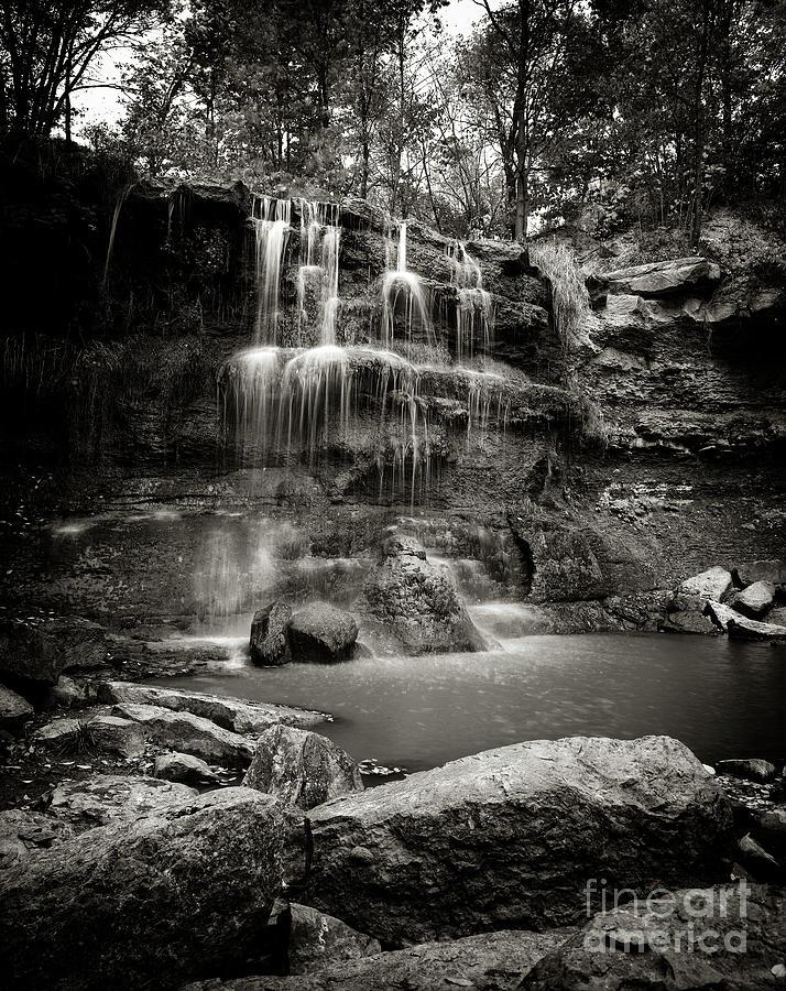 Rock Glen Falls by RicharD Murphy