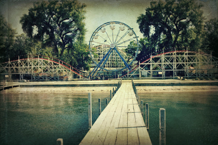 Ferris Wheel Photograph - Arnolds Park by Julie Hamilton