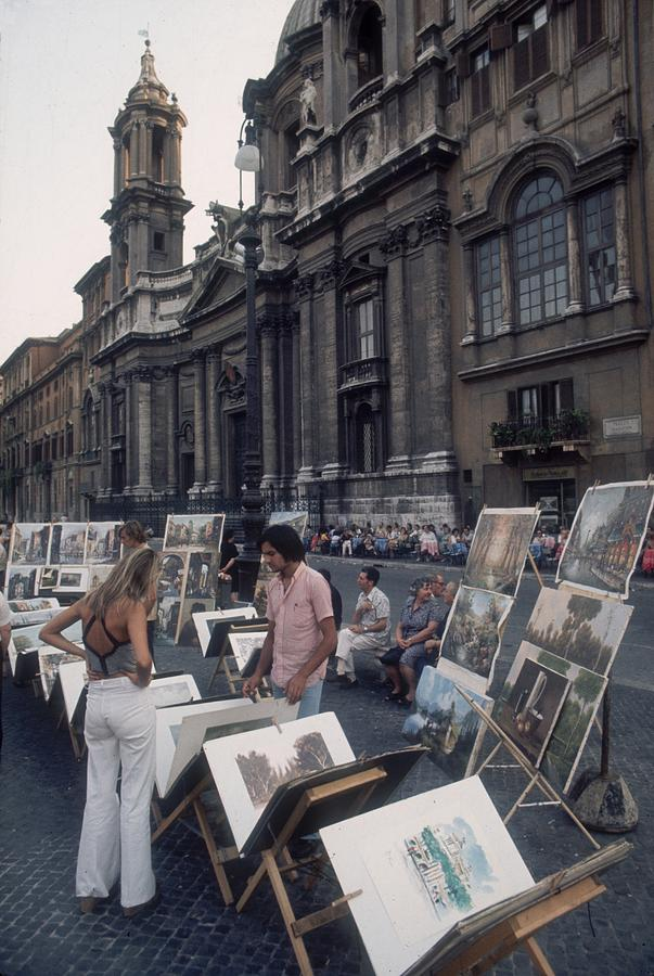 Art For Sale Photograph by Slim Aarons