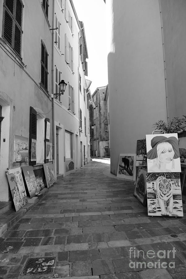 Art in a small street by Tom Vandenhende