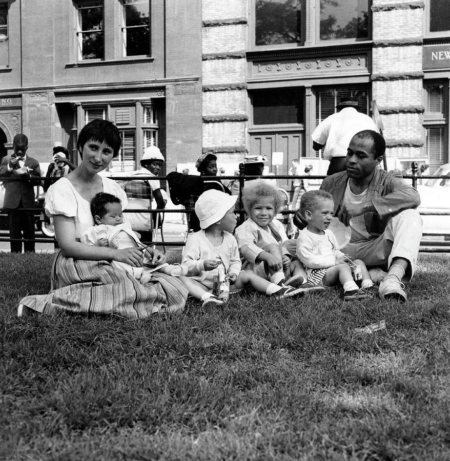 Artist Ted Joans & His Family In Wsp Photograph by Fred W. McDarrah