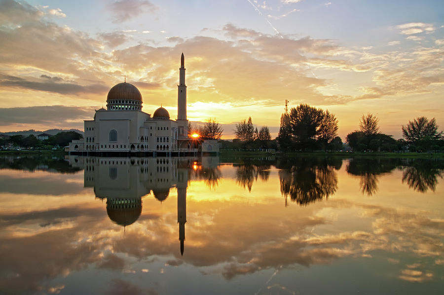 As-salam Mosque Photograph by Photo By Mozakim