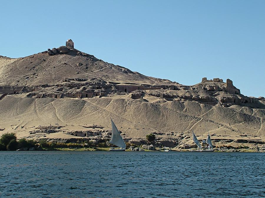 Aswan - Qubbet el Hawa by Joseph Hendrix