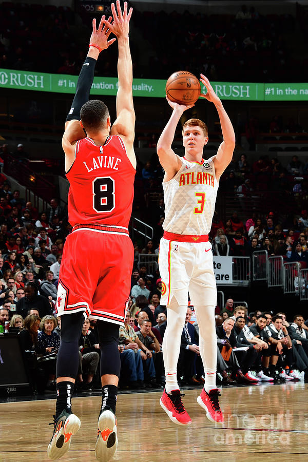 Atlanta Hawks V Chicago Bulls Photograph by Scott Cunningham