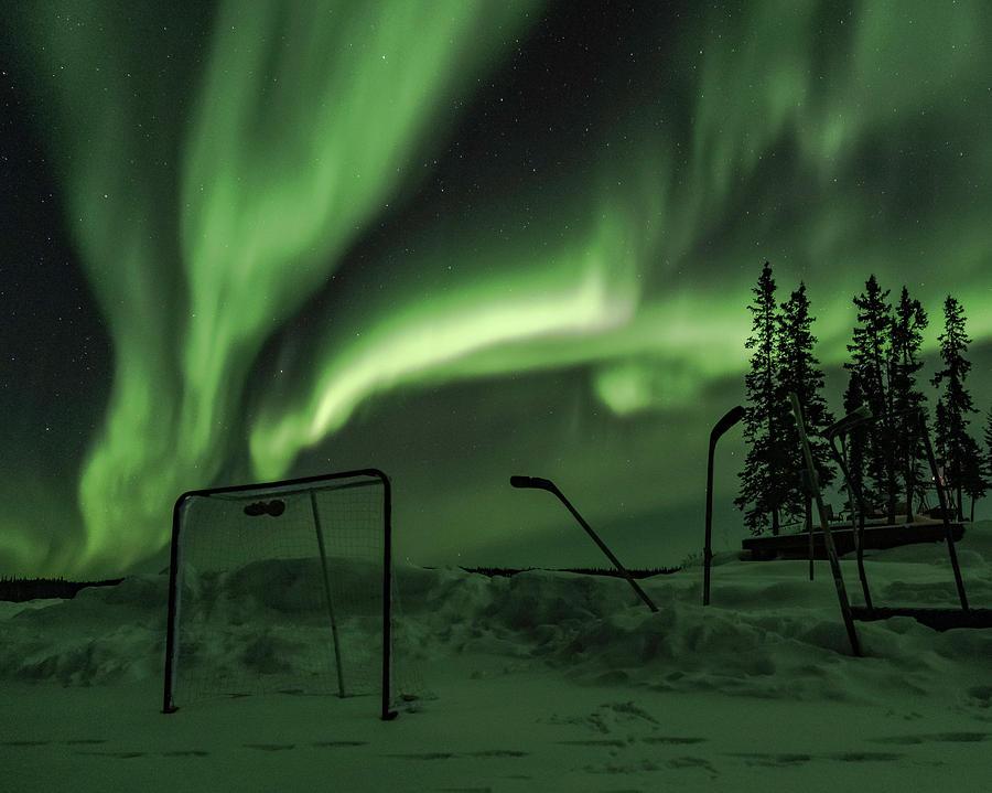 Aurora Hockey by Laura Hedien