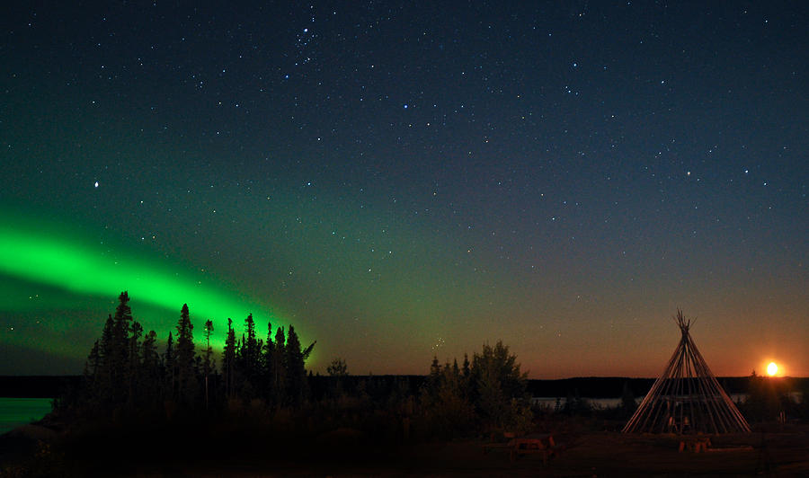 Aurora, Quebec 22 by Carl Young