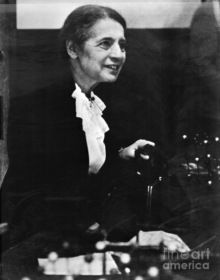 Austrian Physicist Lisa Meitner Photograph by Bettmann