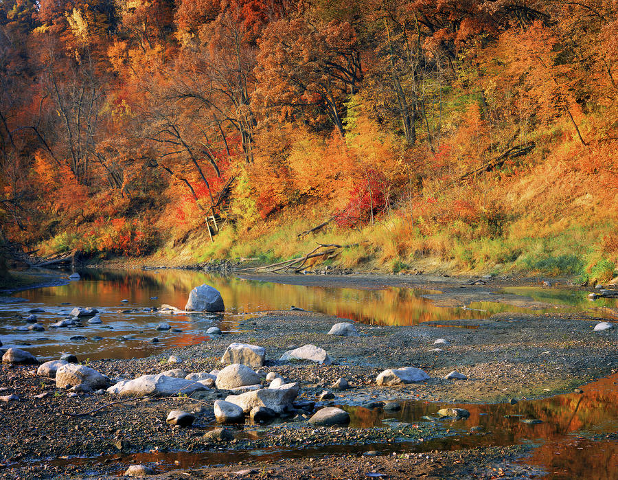 Autumn Beauty Of The Des Moines River Photograph by Lawrencesawyer